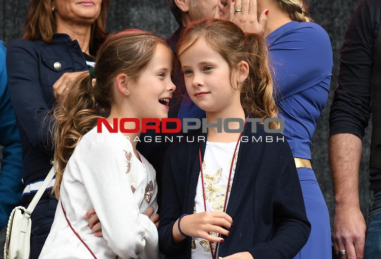 """07.07.2019,  Lueneburg, Rote Rosen Fantag,  im Bild die Zwillinge, die """"Lilly Berger"""" spielen Foto © nordphoto / Witke"""
