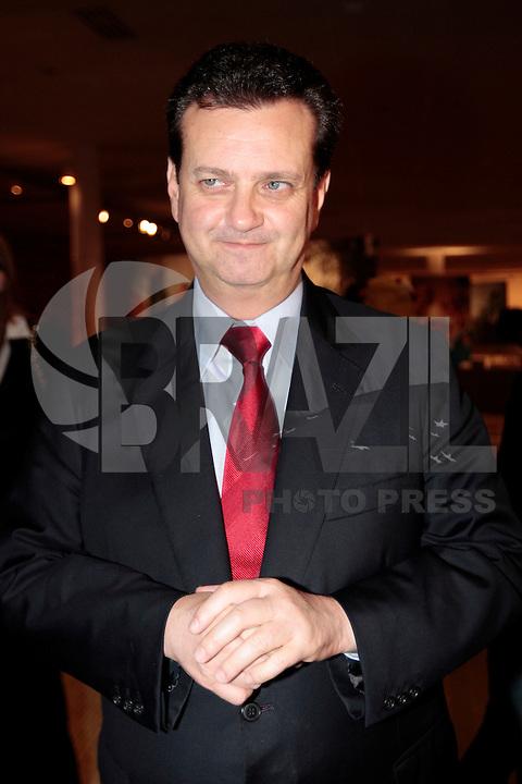SAO PAULO, SP, 11 JUNHO 2012 - SPFW  -  O prefeito de Sao Paulo Gilberto Kassab durante a 33ª edição do São Paulo Fashion Week Verão 2013, nesta segunda-feira, 11. (FOTO: VANESSA CARVALHO / BRAZIL PHOTO PRESS).