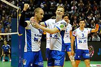 GRONINGEN - Volleybal , Lycurgus - Orion, finale playoff 3, seizoen 2018-2019, 01-05-2019 Lycurgus speler Dennis Borst met Lycurgus speler Auke van der Kamp