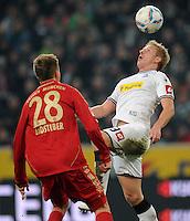 FUSSBALL   1. BUNDESLIGA   SAISON 2011/2012   18. SPIELTAG Borussia Moenchengladbach - FC Bayern Muenchen    20.01.2012 Holger Badstuber (li, Bayern) gegen Mike Hanke (re, Borussia Moenchengladbach)