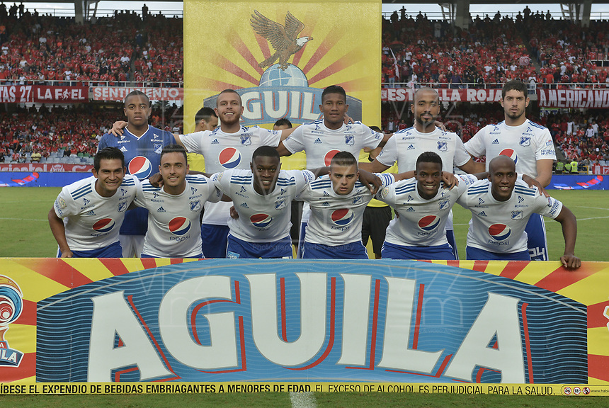 CALI - COLOMBIA, 21-04-2019: Jugadores de Millonarios posan para una foto previo al partido por la fecha 17 de la Liga Águila I 2019 entre América de Cali y Millonarios jugado en el estadio Pascual Guerrero de la ciudad de Cali. / Players of Millonarios pose to a photo prior match for the date 17 as part of Aguila League I 2019 between America Cali and Millonarios played at Pascual Guerrero stadium in Cali. Photo: VizzorImage / Gabriel Aponte / Staff