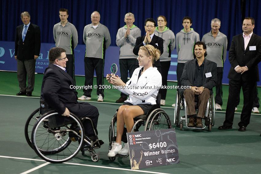 19-11-06,Amsterdam, Tennis, Wheelchair Masters, Winner Esther Vergeer receives the tropy