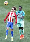 Atletico de Madrid's Antoine Griezmann (l) and FC Barcelona's Samuel Umtiti during La Liga match. February 26,2017. (ALTERPHOTOS/Acero)