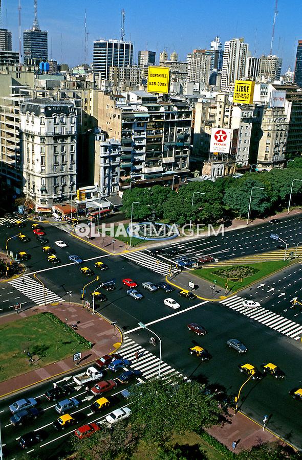 Avenida Nove de Julho em Buenos Aires. Argentina. 1997. Foto de Ricardo Azoury.