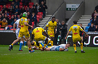 24th November 2019; AJ Bell Stadium, Salford, Lancashire, England; European Champions Cup Rugby, Sale Sharks versus La Rochelle; Rohan Janse van Rensburg of Sale Sharks scores the opening try of the game to make it 7-0 after the conversion - Editorial Use