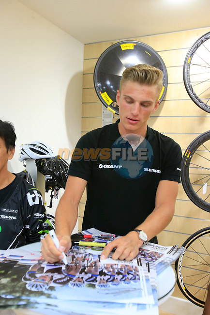 Team Giant-Shimano riders including Marcel Kittel (GER) visit Ride Bike shop after Stage 1 of the inaugural Dubai Tour 2014 held in downtown Dubai, Dubai. 5th February 2014.<br /> Picture: Eoin Clarke www.newsfile.ie
