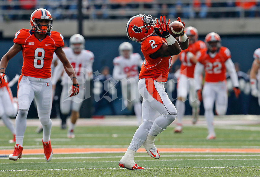 Illinois Fighting Illini defensive back V'Angelo Bentley (2) catches a ball return in the second quarter of their game at Memorial Stadium in Champaign, Ill on November 16, 2013. (Columbus Dispatch photo by Brooke LaValley)