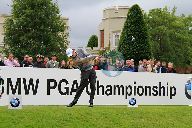 Anthony Kang (USA) tees off on the 1st tee to start his round on Day 2 of the BMW PGA Championship Championship at, Wentworth Club, Surrey, England, 27th May 2011. (Photo Eoin Clarke/Golffile 2011)