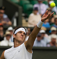 Juan Martin Del Potro (ARG) (5) against Lleyton Hewitt (AUS) in the second roind of the gentlemen's singles. Hewitt beat Del Potro 6-3 7-5 7-5..Tennis - Wimbledon - Day 4 - Thur 25th June 2009 - All England Lawn Tennis Club  - Wimbledon - London - United Kingdom..Frey Images, Barry House, 20-22 Worple Road, London, SW19 4DH.Tel - +44 20 8947 0100.Cell - +44 7843 383 012