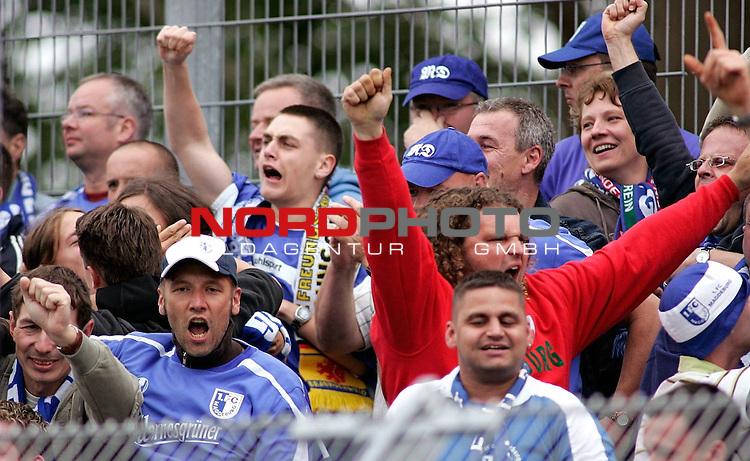 RLN 2006/2007 - 33.Spieltag R&uuml;ckrunde <br /> <br /> Kickers Emden - 1. FC Magdeburg<br /> <br /> Magdeburger Fans<br /> <br /> <br /> <br /> Foto &copy; nordphoto *** Local Caption *** Foto ist honorarpflichtig! zzgl. gesetzl. MwSt.<br /> <br /> <br /> <br /> Belegexemplar erforderlich