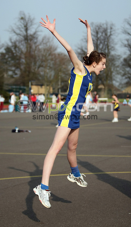 PICTURE BY VAUGHN RIDLEY/SWPIX.COM - Netball - England Netball National Schools Finals - Oundle School, Northamptonshire, England - 21/03/09...Copyright - Simon Wilkinson - 07811267706...