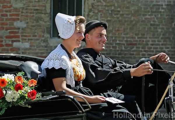 Folkloristische Dag in Middelburg. Sjezen rijden bij het Abdijplein. Zeeuwse Ringrijders Vereniging