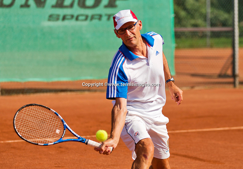 Netherlands, Amstelveen, August 22, 2015, Tennis,  National Veteran Championships, NVK, TV de Kegel,  Men's  60+, Frits Raijmakers<br /> Photo: Tennisimages/Henk Koster