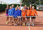 2018-06-24 / Tennis / Seizoen 2018 / Jeugdinterclub TC Stabroek / wedstrijdleider Alain Hilven met een deel van de spelers die zondag in actie kwamen.<br /> <br /> ,Foto: Mpics