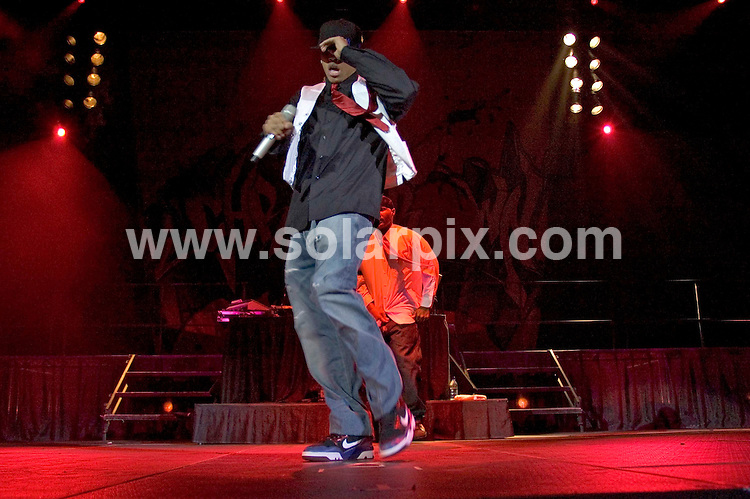 EXCLUSIVE PICTURES FROM SOLARPIX.COM.12/22/2006 - Chris Brown - Dance Down 2006 Competition with Chris Brown - UIC Pavilion - Chicago, IL, United States.DATE: 22/12/2006-JOB REF: 3198/PHZ..**MUST CREDIT SOLARPIX.COM OR DOUBLE FEE WILL BE CHARGED**