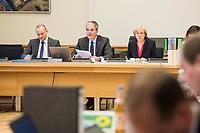 8. Sitzungstag des 1. Untersuchungsausschusses &quot;Terroranschlag Breitscheidplatz&quot; am Freitag den 5. Januar 2018.<br /> Als Zeugen fuer die 8. Sitzung des sog. &quot;Amri-Untersuchungsausschuss&quot; des Berliner Abgeordnetenhaus waren Behoerdenmitarbeiter aus Nordrhein-Westfalen, der Berliner Auslaenderbehoerde und dem Bundesinnenministerium geladen. Film-, Foto- und Tonaufnahmen von den Zeugen waren untersagt.<br /> Der Amri-Untersuchungsausschuss will versuchen die diversen Unklarheiten im Fall des Weihnachtsmarkt-Attentaeters zu aufzuklaeren.<br /> In der Mitte: Burkard Dregger, Ausschussvorsitzender, CDU.<br /> 5.1.2018, Berlin<br /> Copyright: Christian-Ditsch.de<br /> [Inhaltsveraendernde Manipulation des Fotos nur nach ausdruecklicher Genehmigung des Fotografen. Vereinbarungen ueber Abtretung von Persoenlichkeitsrechten/Model Release der abgebildeten Person/Personen liegen nicht vor. NO MODEL RELEASE! Nur fuer Redaktionelle Zwecke. Don't publish without copyright Christian-Ditsch.de, Veroeffentlichung nur mit Fotografennennung, sowie gegen Honorar, MwSt. und Beleg. Konto: I N G - D i B a, IBAN DE58500105175400192269, BIC INGDDEFFXXX, Kontakt: post@christian-ditsch.de<br /> Bei der Bearbeitung der Dateiinformationen darf die Urheberkennzeichnung in den EXIF- und  IPTC-Daten nicht entfernt werden, diese sind in digitalen Medien nach &sect;95c UrhG rechtlich geschuetzt. Der Urhebervermerk wird gemaess &sect;13 UrhG verlangt.]