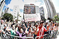 SÃO PAULO, SP - 26.09.2013 - MANIFESTAÇÃO CÂMARA MUNICIPAL DE SÃO PAULO -  Grupo de 1000 moradores da comunidade da Fazendinha, Jardim Vista Alegre, zona norte de São Paulo, renvindincam moradia em frente a Câmara Municipal de São Paulo, região central, nesta quinta-feira (26). (Foto: Marcelo Brammer/Brazil Photo Press)