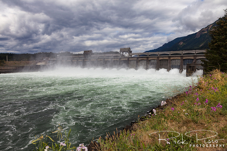 The Bonneville Dam along the Columbia River in Oregon.