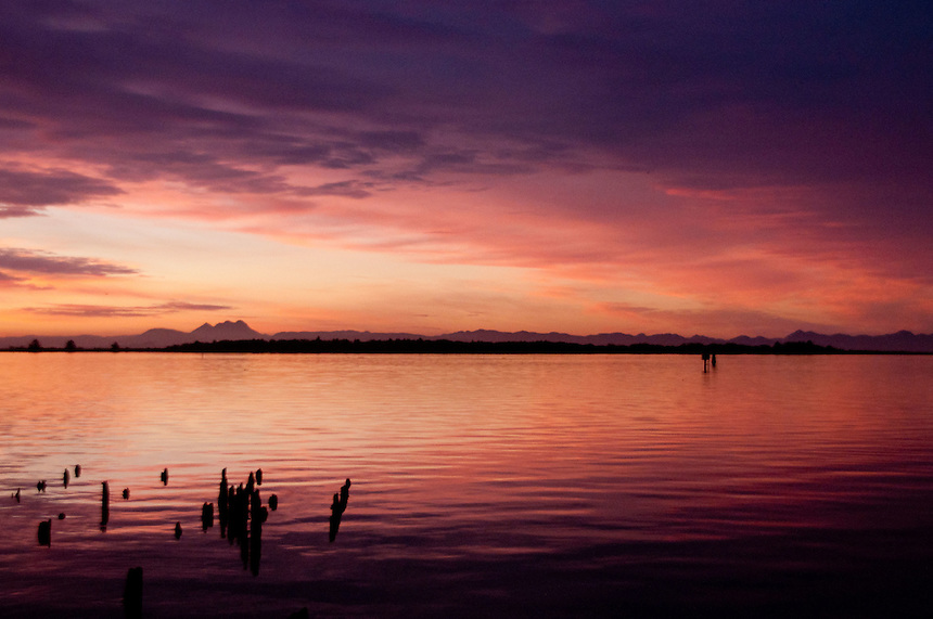 Dawn at Ilwaco Harbor, Ilwaco, Washington, US