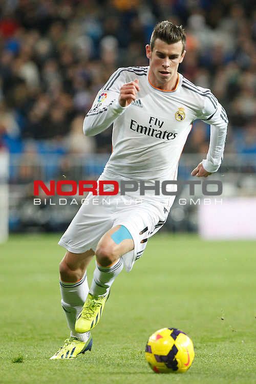 Gareth Bale of Real Madrid during La Liga match between Real Madrid and Valladolid at Santiago Bernabeu stadium in Madrid, Spain. November 30, 2013. Foto © nph / Caro Marin)
