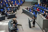 15. Sitzung des Bundestages am Freitag den 23. Februar 2018.<br /> Im Bild: Britta Hasselmann Parlamentarische Geschaeftsfuehrerin der Partei Buendnis 90/Die Gruenen spricht in der aktuellen Stunde auf Antrag ihrer Partei zum Thema &quot;Demokratie/Erinnerungskultur angesichts rechtsextremistischer Angriffe&quot;.<br /> 23.2.2018, Berlin<br /> Copyright: Christian-Ditsch.de<br /> [Inhaltsveraendernde Manipulation des Fotos nur nach ausdruecklicher Genehmigung des Fotografen. Vereinbarungen ueber Abtretung von Persoenlichkeitsrechten/Model Release der abgebildeten Person/Personen liegen nicht vor. NO MODEL RELEASE! Nur fuer Redaktionelle Zwecke. Don't publish without copyright Christian-Ditsch.de, Veroeffentlichung nur mit Fotografennennung, sowie gegen Honorar, MwSt. und Beleg. Konto: I N G - D i B a, IBAN DE58500105175400192269, BIC INGDDEFFXXX, Kontakt: post@christian-ditsch.de<br /> Bei der Bearbeitung der Dateiinformationen darf die Urheberkennzeichnung in den EXIF- und  IPTC-Daten nicht entfernt werden, diese sind in digitalen Medien nach &sect;95c UrhG rechtlich geschuetzt. Der Urhebervermerk wird gemaess &sect;13 UrhG verlangt.]