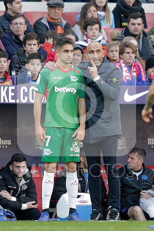 Futbol Club Deportivo Alaves' Ruben Sobrino and coach Abelardo Fernandez during La Liga match. December,8,2018. (ALTERPHOTOS/Alconada)