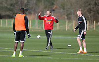 Pictured: Manager Garry Monk (C). Saturday 08 March 2014<br />