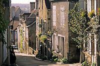 Europe/France/89/Yonne/Vézelay: Ruelle et vieilles maisons