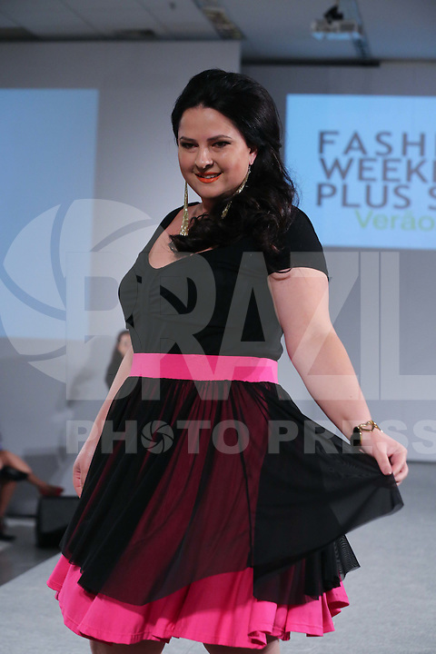 SAO PAULO, SP, 23.08.2014 - FASHION WEEKEND PLUS SIZE - VERAO 2015 - Desfile Fashion Weekend Plus Size, verao 2015 no Shopping Frei Caneca neste Sabado, 23. (Foto: Vanessa Carvalho - Brazil Photo Press).