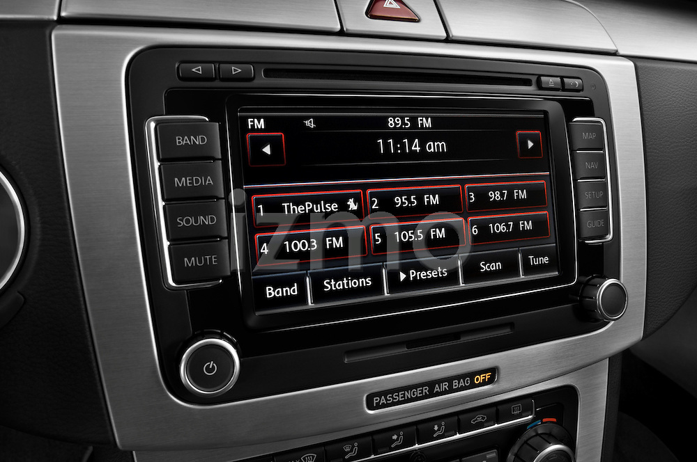 Stereo audio system close up detail view of a 2009 volkswagen cc luxary