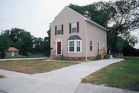 1990 July 06.Conservation.Berkley 3...Infill.600 Berkley Avenue Extended...NEG#.NRHA#..HOUSING:B Dmnd 3 1:4