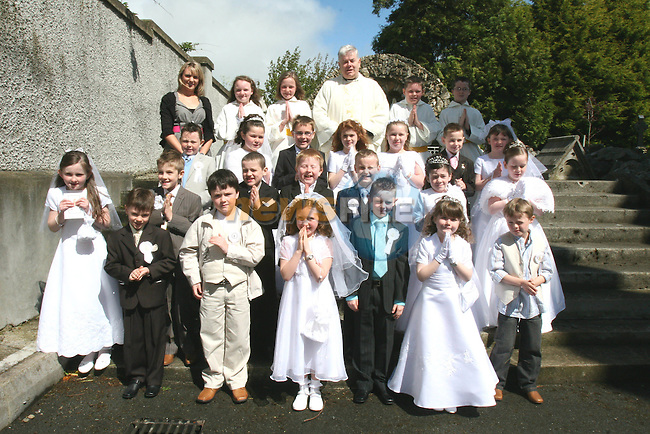 Communion in Collon Church...Photo NEWSFILE/Jenny Matthews.(Photo credit should read Jenny Matthews/NEWSFILE)....This Picture has been sent you under the condtions enclosed by:.Newsfile Ltd..The Studio,.Millmount Abbey,.Drogheda,.Co Meath..Ireland..Tel: +353(0)41-9871240.Fax: +353(0)41-9871260.GSM: +353(0)86-2500958.email: pictures@newsfile.ie.www.newsfile.ie.FTP: 193.120.102.198.