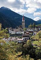 Italien, Suedtirol, St. Pankraz (San Pancrazio) im Ultental (Val d'Ultimo), das parallel zum Vinschgau verlaeuft und bei Lana im Meraner Becken beginnt   Italy, South Tyrol, Alto Adige, village San Pancrazio at Ulten Valley (Val d'Ultimo)