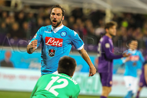 29.02.2016. Stadium Artemio Franchi, Florence, Italy.  Serie A football league. Fiorentina versus Napoli. Higuain celebrates as he scores to equalise at  1-1