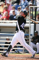 February 25, 2009:  Left fielder Travis Snider (45) of the Toronto Blue Jays during a Spring Training game at Dunedin Stadium in Dunedin, FL.  The New York Yankees defeated the Toronto Blue Jays 6-1.   Photo by:  Mike Janes/Four Seam Images