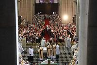 SÃO PAULO, SP, 25 DE JANEIRO 2012 - MISSA / ANIVERSÁRIO SÃO PAULO - Missa celebrada pelo Arcebispo de Sao Paulo, Dom Odilo Pedro Scherer, pelo aniversário de São Paulo, 485 anos de fundacao da cidade. Na Catedral da Se na regiao central da capital paulista, nesta quarta-feira. 25. (FOTO: RICARDO LOU - NEWS FREE).