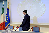 Roma, 1 Settembre 2014.<br /> Palazzo Chigi.<br /> Conferenza stampa di Matteo Renzi sui prossimi mille giorni del Governo e presentazione del sito web passodopopasso.italia.it.<br /> <br /> Government Renzi: 1000 days and the site passodopopasso.italia.it <br /> Rome, September 1, 2014.<br /> Chigi Palace.<br /> Press Conference of Matteo Renzi on the next one thousand days of Government and presentation of the website passodipopasso.italia.it.
