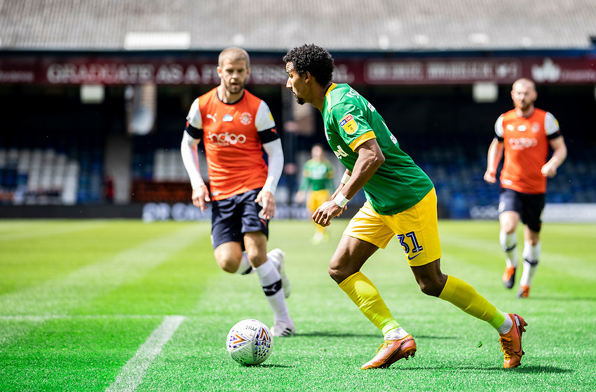 Preston North End's Scott Sinclair breaks<br /> <br /> Photographer Andrew Kearns/CameraSport<br /> <br /> The EFL Sky Bet Championship - Luton Town v Preston North End - Saturday 20th June 2020 - Kenilworth Road - Luton<br /> <br /> World Copyright © 2020 CameraSport. All rights reserved. 43 Linden Ave. Countesthorpe. Leicester. England. LE8 5PG - Tel: +44 (0) 116 277 4147 - admin@camerasport.com - www.camerasport.com