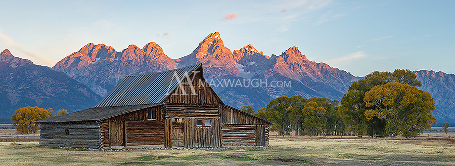We were obligated to stop for some sunrise shoots at some of the famous viewpoints in the Grand Tetons, including Mormon Row.