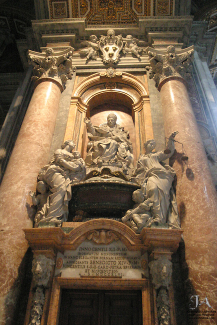 Monument to Innocent XII