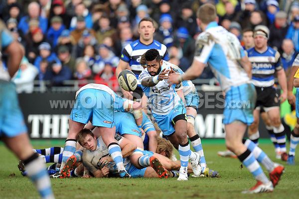 Niko Matawalu of Glasgow Warriors passes the ball. European Rugby Champions Cup match, between Bath Rugby and Glasgow Warriors on January 25, 2015 at the Recreation Ground in Bath, England. Photo by: Patrick Khachfe / Onside Images