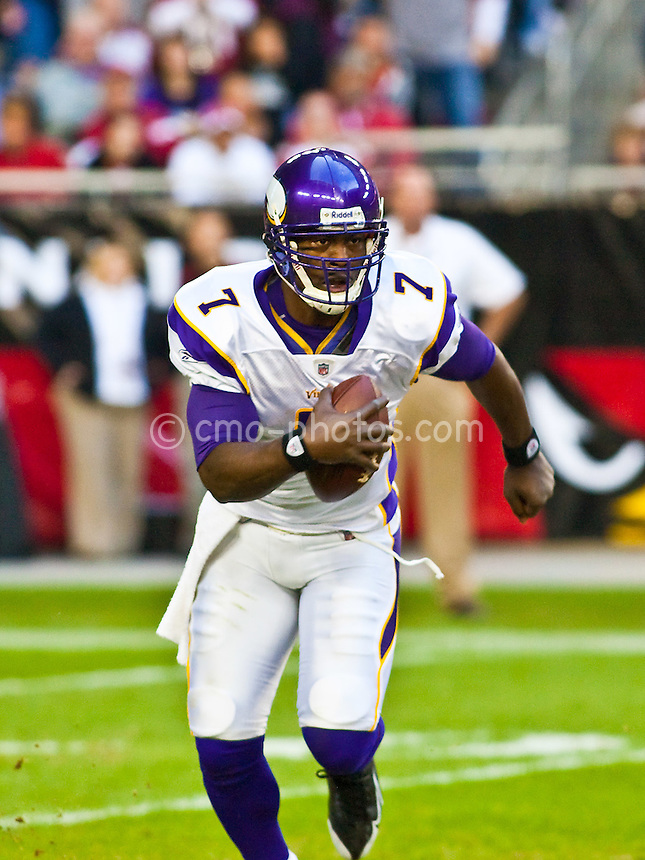 Dec 14, 2008; Glendale, AZ, USA; Minnesota Vikings quarterback Tarvaris Jackson (7) runs with the ball in the third quarter of a game against the Arizona Cardinals at University of Phoenix Stadium.  The Vikings won the game 35-14.