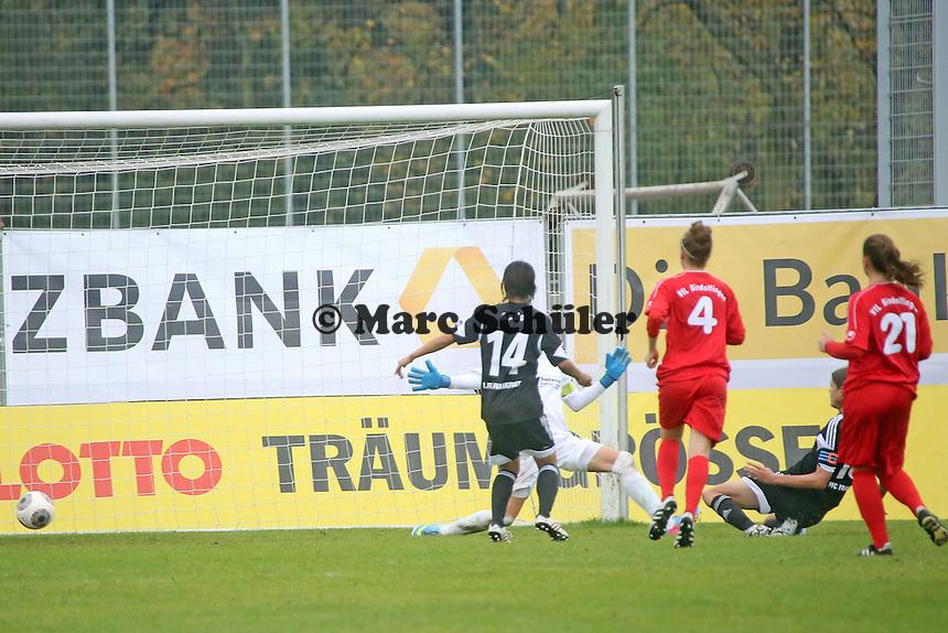 Kerstin Garefrekes (FFC) erzielt das 2:0 - 1. FFC Frankfurt vs. VfL Sindelfingen