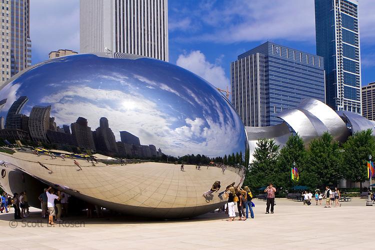 The 110-ton elliptical sculpture designed by Anish Kapoor in At&t Plaza, Millenium Park, Chicago, Illinois