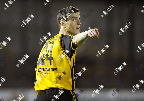 2011-01-15 / Voetbal / seizoen 2010-2011 / Zwarte Leeuw - KFC De Kempen / Domien Leys..Foto: Mpics