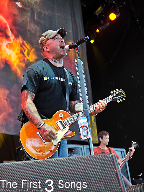 Aaron Lewis of Staind performs at Klipsch Music Center in Indianapolis, Indiana during the Rockstar Energy Drink Uproar Festival.