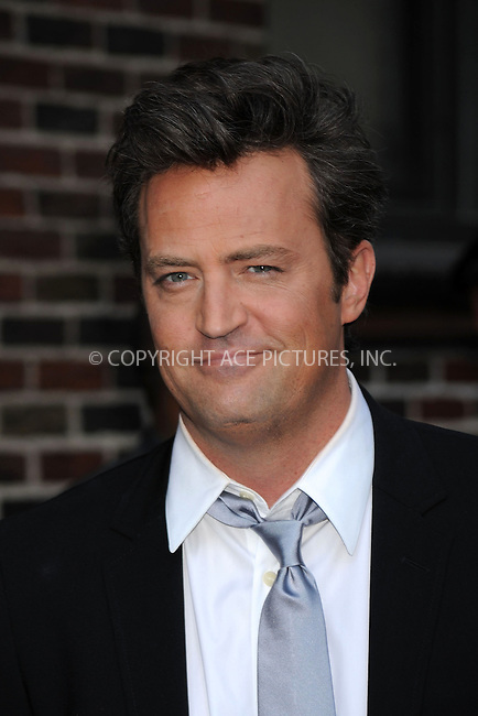 WWW.ACEPIXS.COM..April 16 2009, New York City..Actor Matthew Perry made an appearance at the 'Late show with David Letterman' at the Ed Sullivan Theatre on April 16, 2009 in New York City...Please byline: Kristin Callahan - ACEPIXS.COM...*** ***...Ace Pictures, Inc.tel: (212) 243 8787.e-mail: info@acepixs.com.web: http://www.acepixs.com..