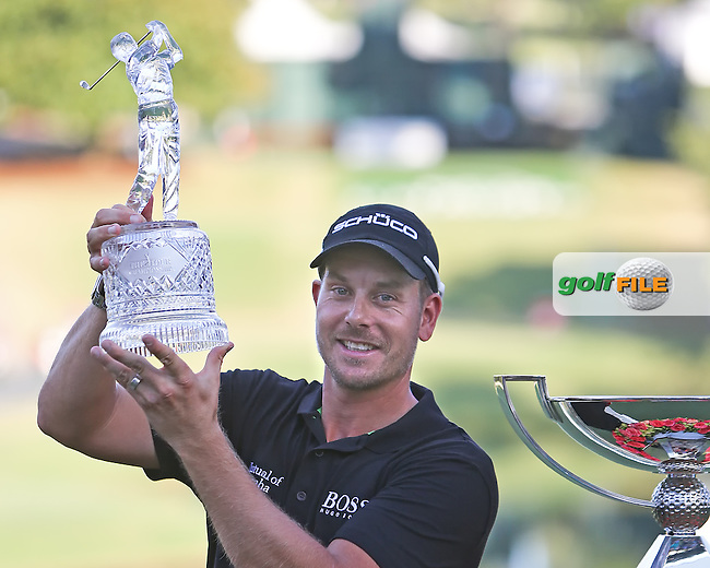22 SEP 13 Sweden's Henrik Stenson celebrates on the 18th green at the conclusion of Sunday's Final Round of The Tour Championship at East Lake Golf Club in Atlanta, Georgia.  (photo:  kenneth e.dennis / kendennisphoto.com)