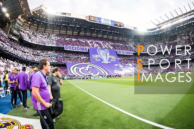 Fans of Real Madrid show a choreo prior to the 2016-17 UEFA Champions League Semifinals 1st leg match between Real Madrid and Atletico de Madrid on 02 May 2017 in Madrid, Spain. Photo by Diego Gonzalez Souto / Power Sport Images
