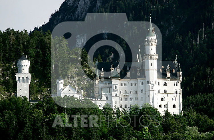 A view of Neuschwanstein castle in Germany, August 06, 2008. (ALTERPHOTOS/Alvaro Hernandez)
